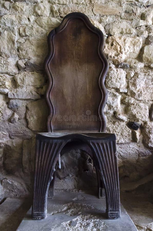 Модель Α деревянная Τhrone на археологических раскопках Knossos Первоначальный трон был сделан из алебастра стоковое фото rf