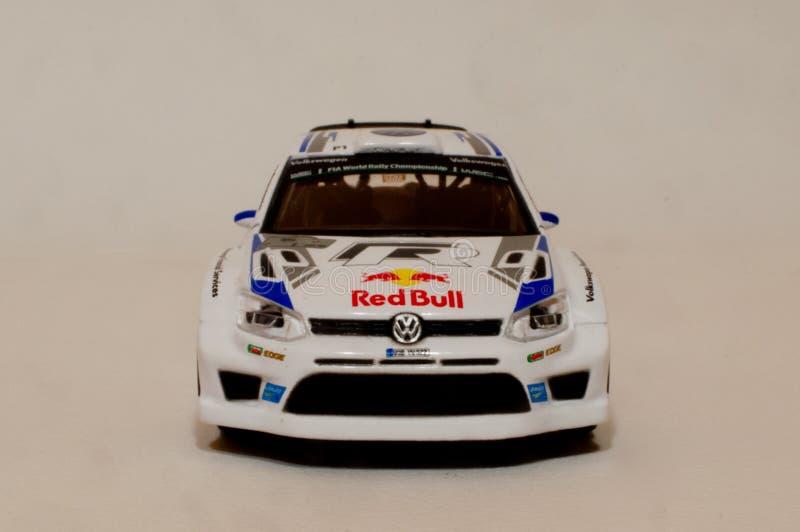 Модель поло r WRC 1/43 VW BBurago стоковое фото rf