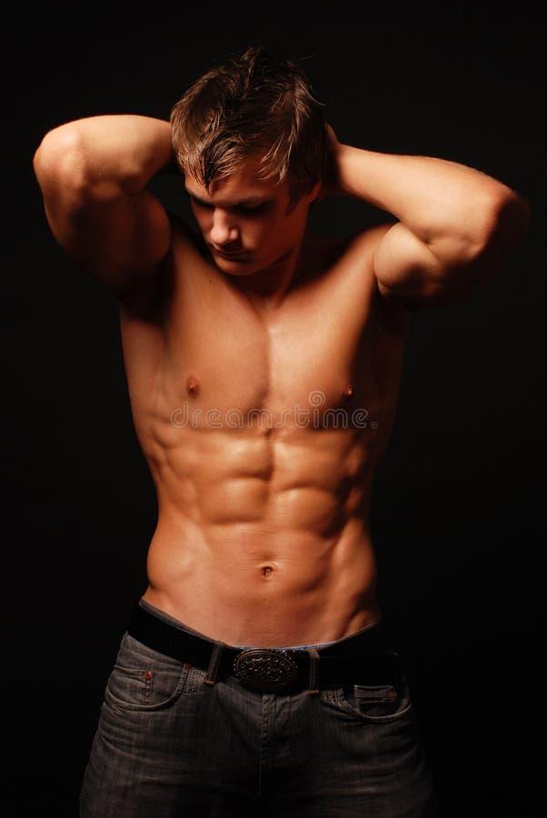 Модель muscled мужчиной стоковые изображения rf