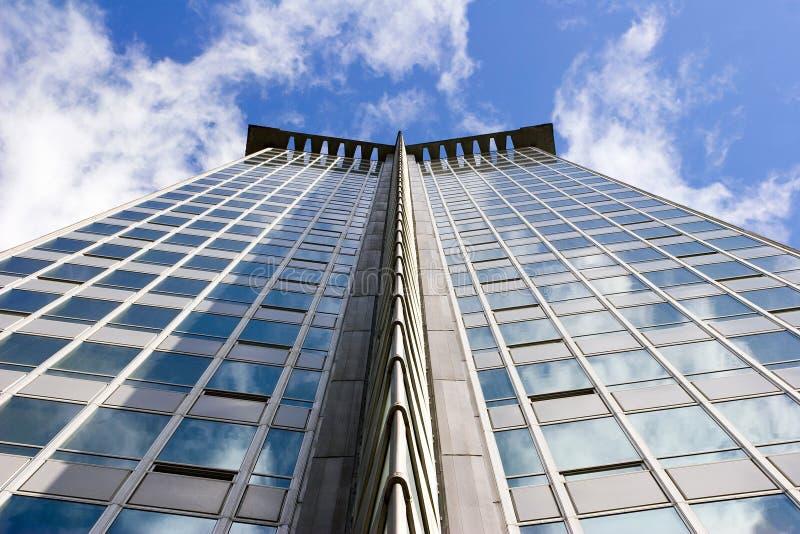 модернистское война vancouver башни столба офиса стоковые изображения rf