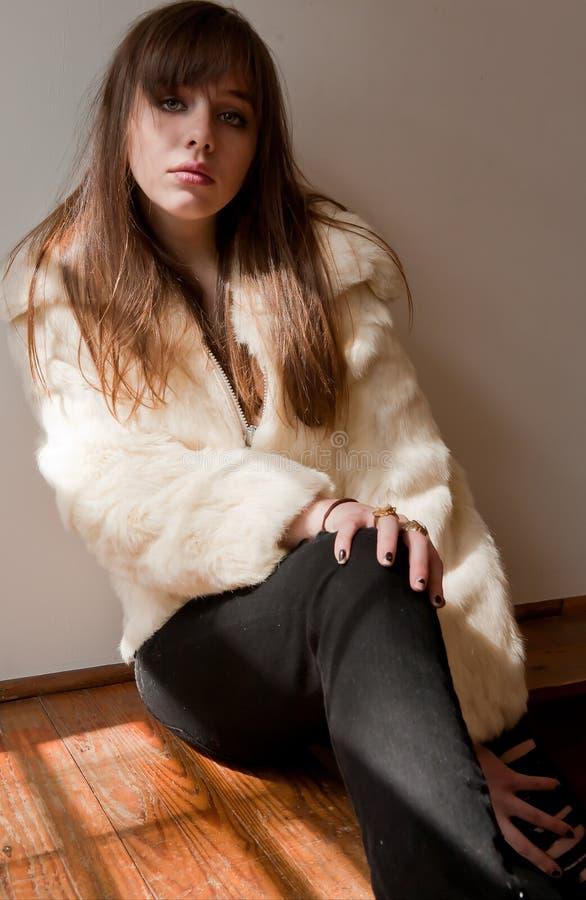 модные модельные детеныши обмундирования стоковая фотография rf
