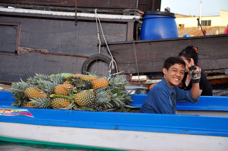 Рынок Cai Rang плавая, может Tho, перепад Меконга, Вьетнам стоковая фотография rf