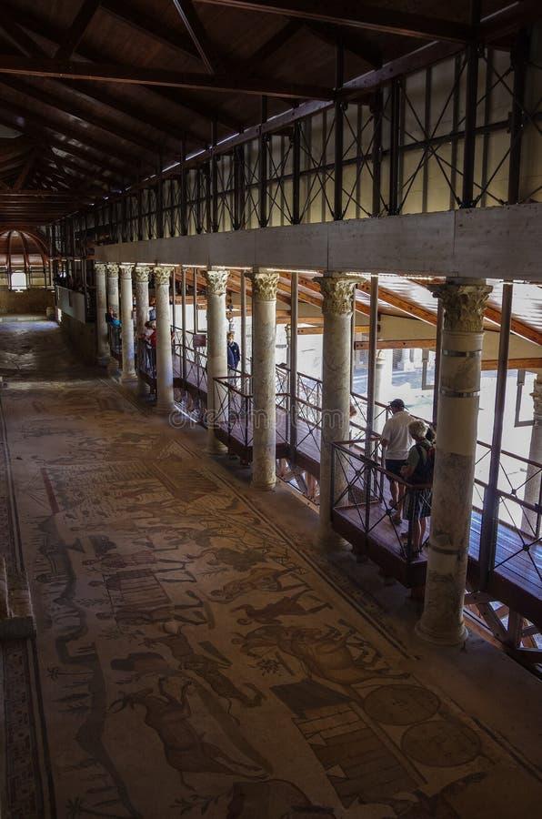 Мозаики в Вилле Romana del Casale, аркаде Armerina, Sicilia, ем стоковое изображение
