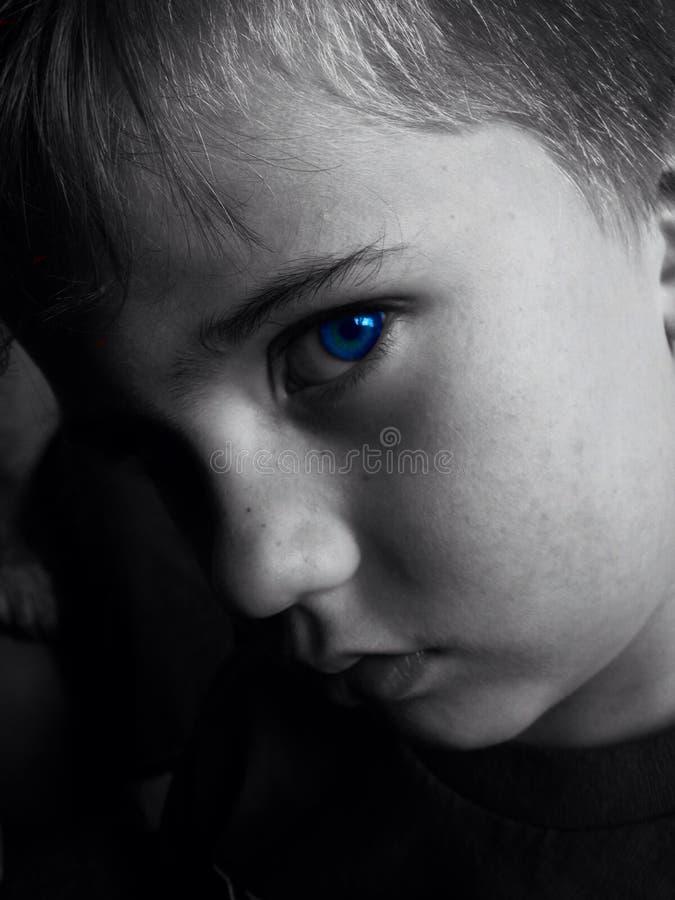 Мой мальчик наблюданный синью стоковая фотография rf