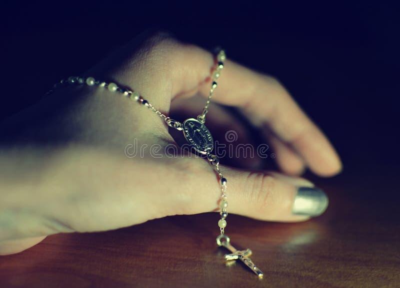 Молитва розария стоковые фото
