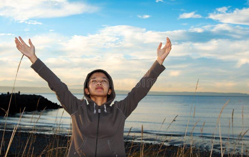 молить девушки стоковая фотография rf