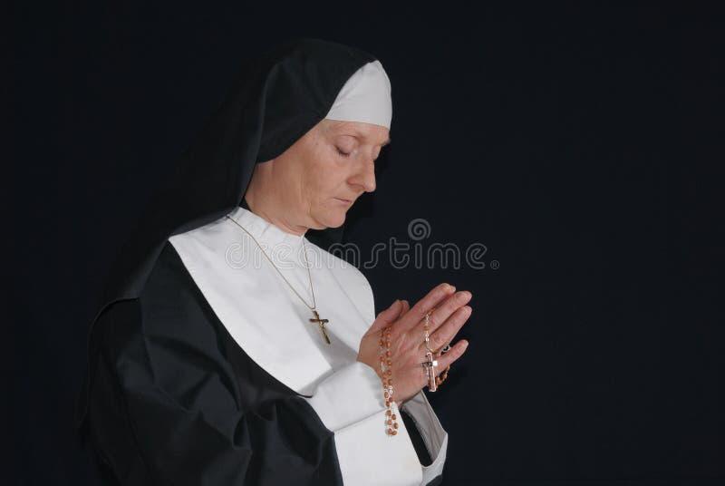 молить монахини стоковая фотография