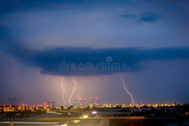 Молнии на Люблине во время одного из штормов в 2017 стоковая фотография rf