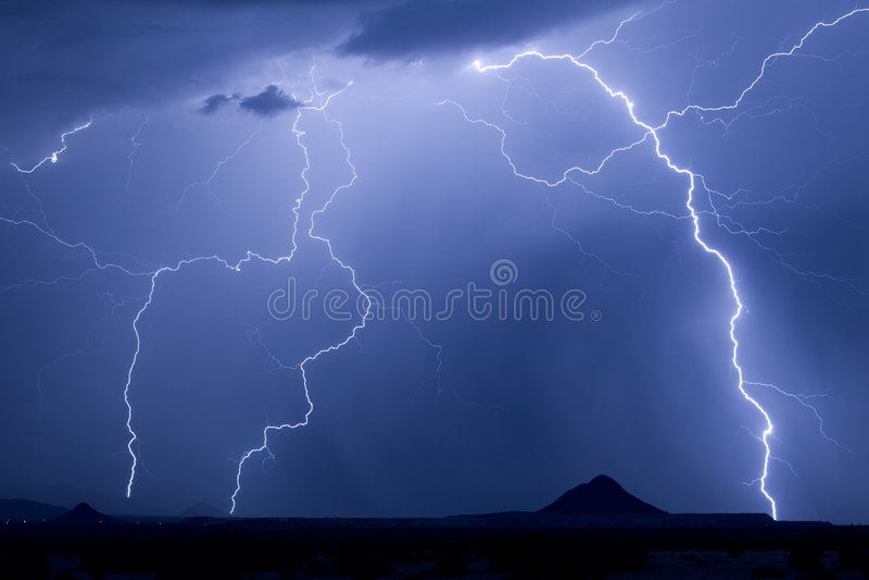 молния выступает близнеца стоковые изображения rf