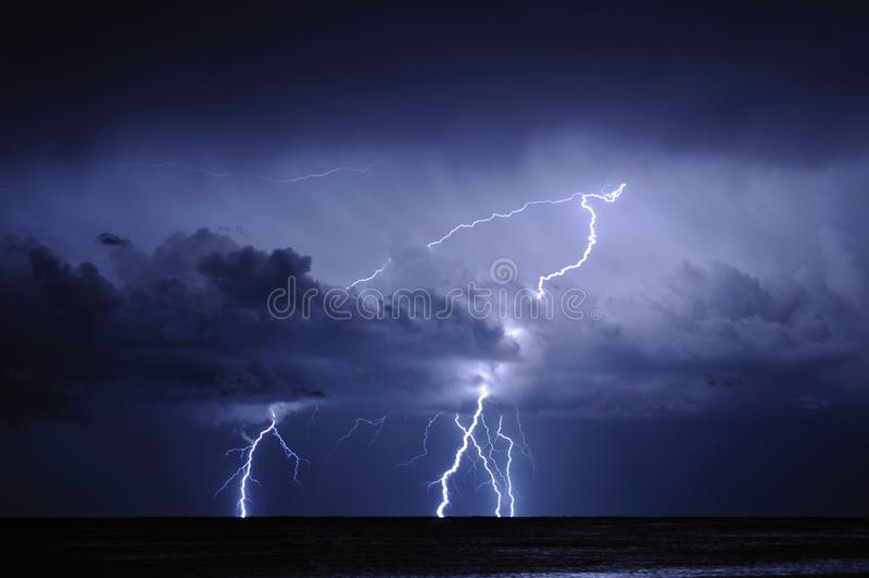 Молния на море стоковая фотография rf