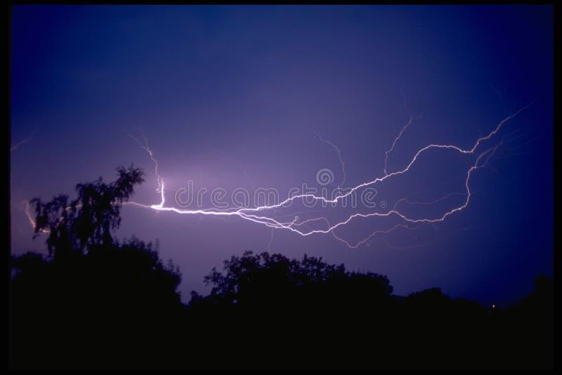 Download молния стоковое изображение. изображение насчитывающей сила - 79873