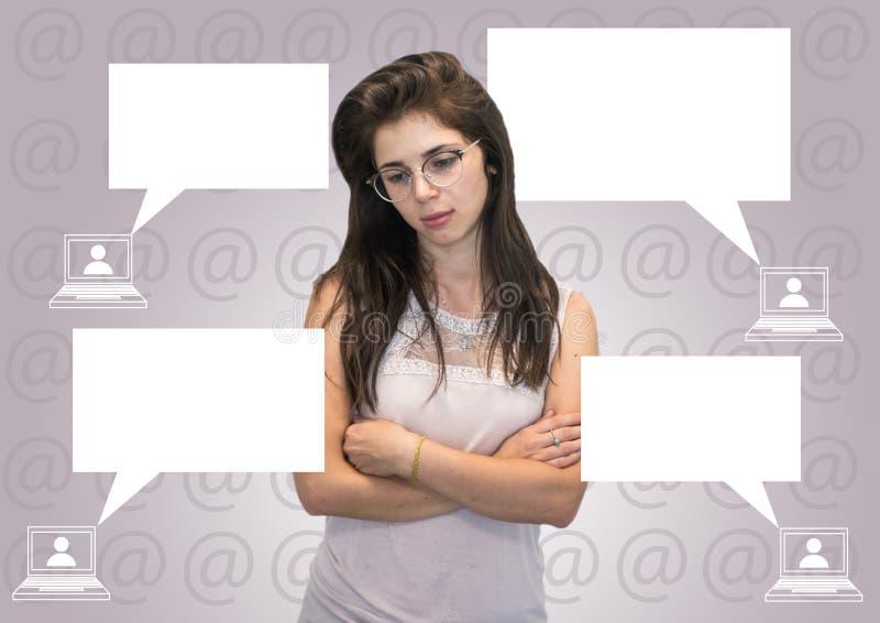 Молодая кавказская девушка получает задранной на интернете стоковые изображения