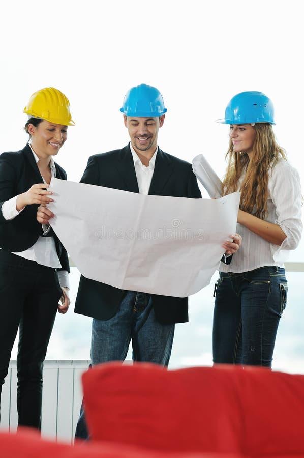 Молодая команда архитектора стоковая фотография rf