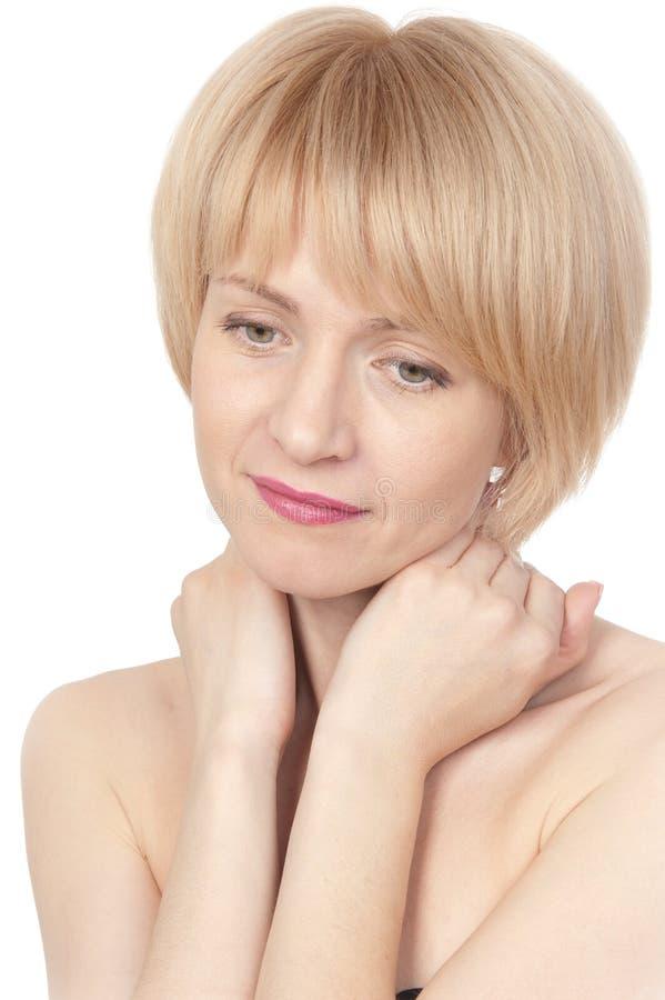 Молодая красивейшая белокурая женщина стоковая фотография