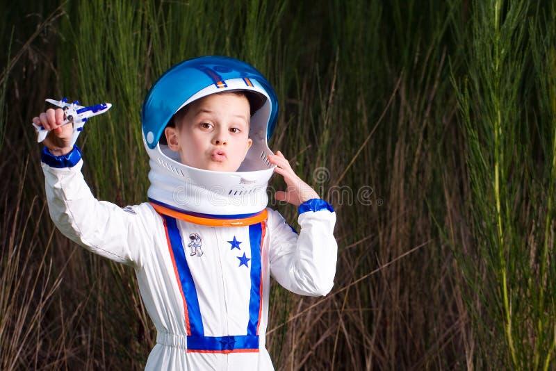 Молодой астронавт стоковые изображения
