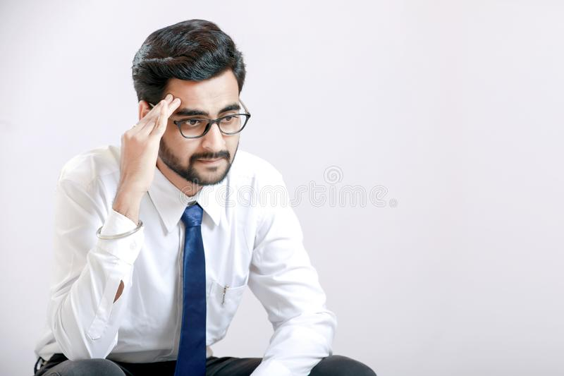 Молодой индийский человек в напряжении стоковые фотографии rf
