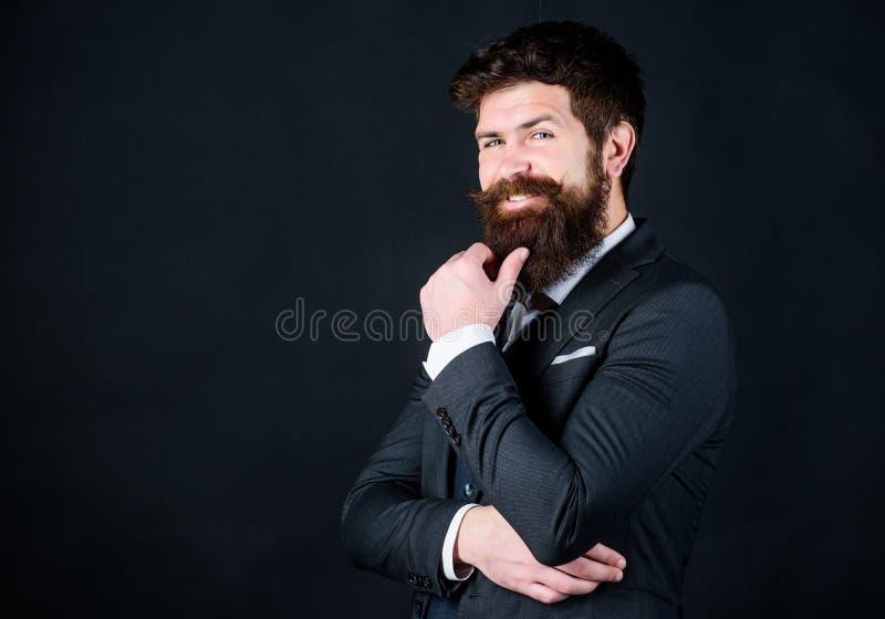 Молодой космос экземпляра перфекциониста Хипстер стильного аналитика деловой активности зрелый с бородой кавказец аналитика делов стоковое фото