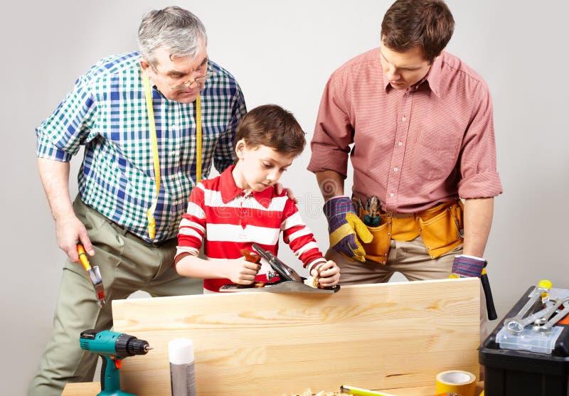Молодой плотник стоковая фотография