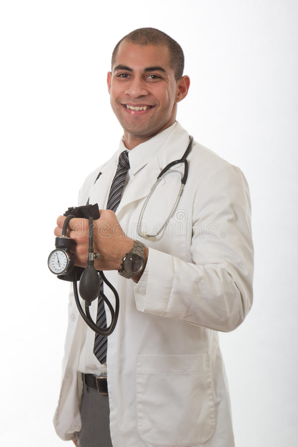 Молодой привлекательный черный медицинский доктор стоковые изображения rf