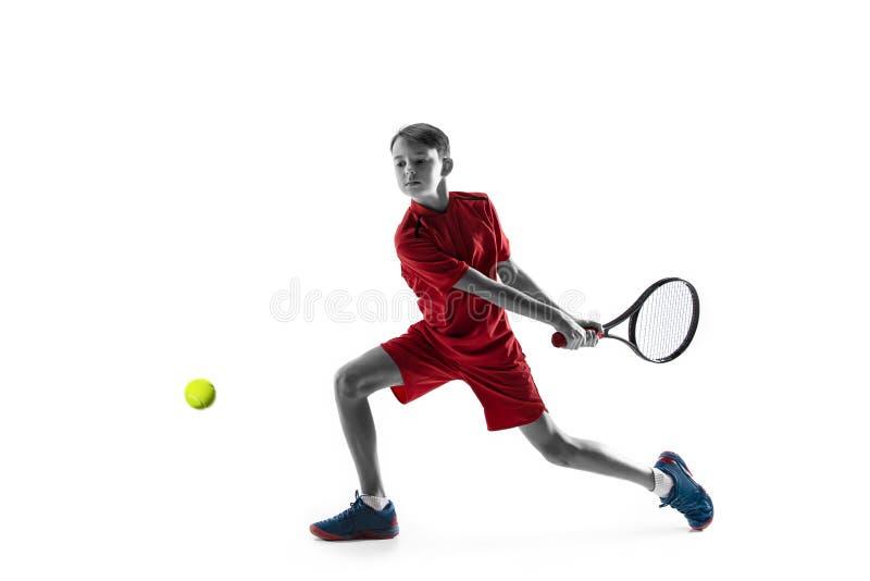 Молодой теннисист изолированный на белизне стоковые изображения rf