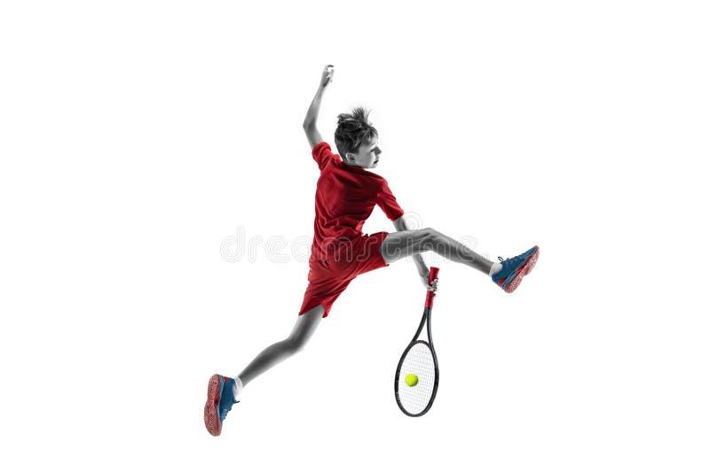 Молодой теннисист изолированный на белизне стоковые фотографии rf