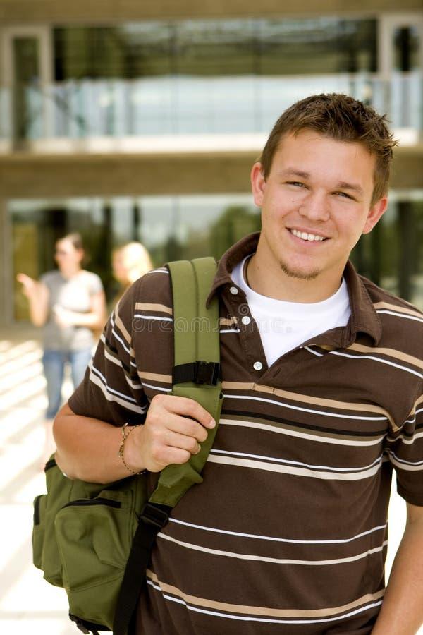 Молодой человек на школе стоковое фото