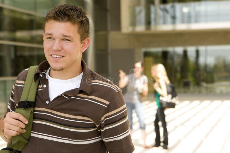 Молодой человек на школе стоковые фотографии rf