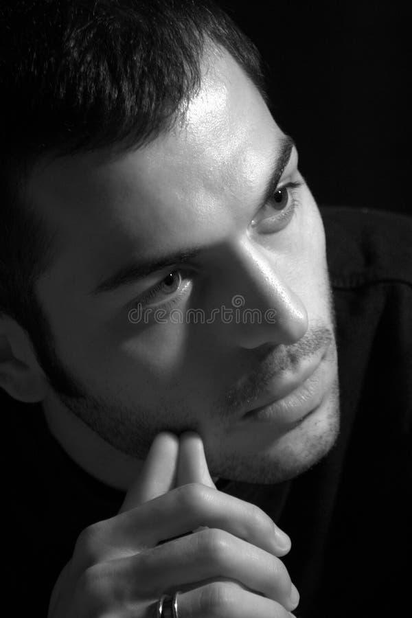 Молодой человек/принципиальная схема сомнения и потерянности стоковые изображения
