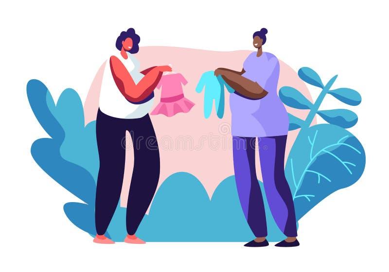 Молодые беременные женщины демонстрируют и хвастают с приобретениями одежды младенца друг к другу Счастливые женские характеры на иллюстрация вектора