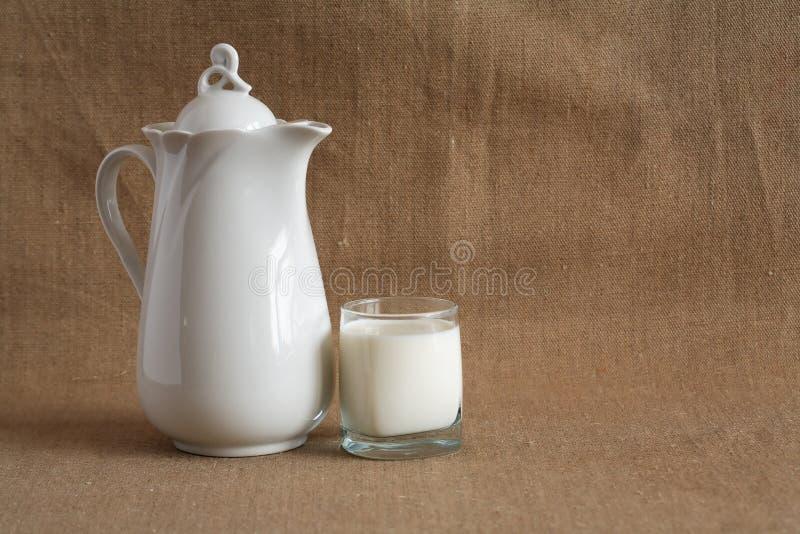 молоко холстины стоковое фото
