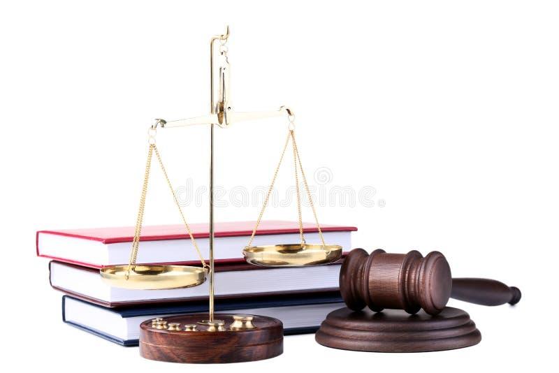 Молоток судьи с масштабами стоковые изображения rf