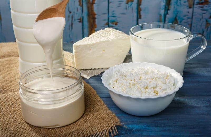 Молочные продучты фермы стоковое изображение