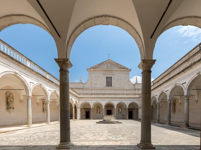 Монастырь бенедиктинского аббатства Montecassino Италия стоковая фотография rf