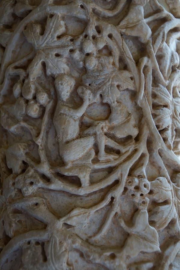 Монастырь бенедиктинского монастыря в соборе Monreale в Сицилии Общий вид и детали столбцов и столиц стоковое изображение