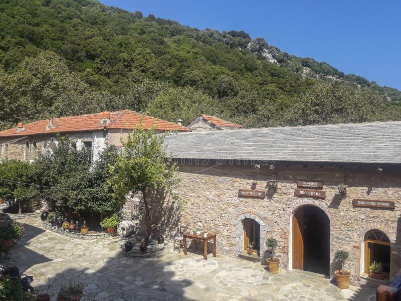 Монастырь на острове Skiathos в Греции стоковые фото