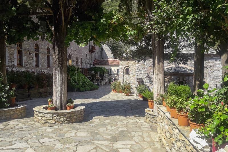 Монастырь на острове Skiathos в Греции стоковое изображение