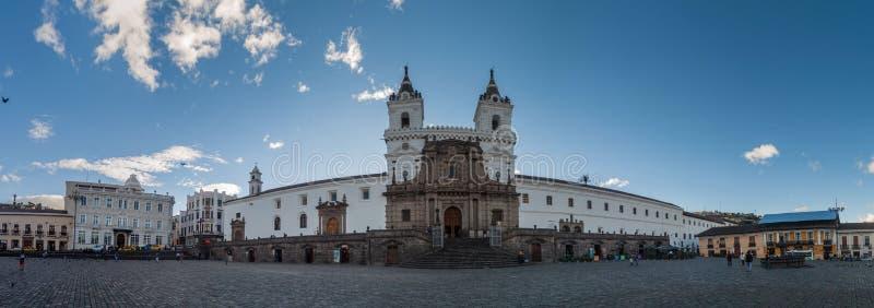 Монастырь Сан-Франциско в Кито, эквадоре стоковые изображения rf