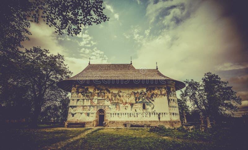 Монастырь Arbore правоверный в Румынии стоковые фото
