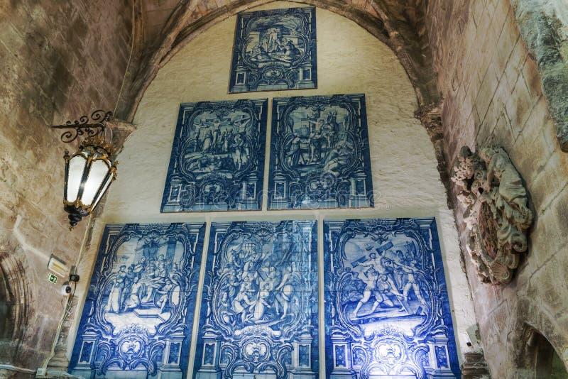 Монастырь Azulejos Лиссабона, Португалии Carmo стоковые изображения