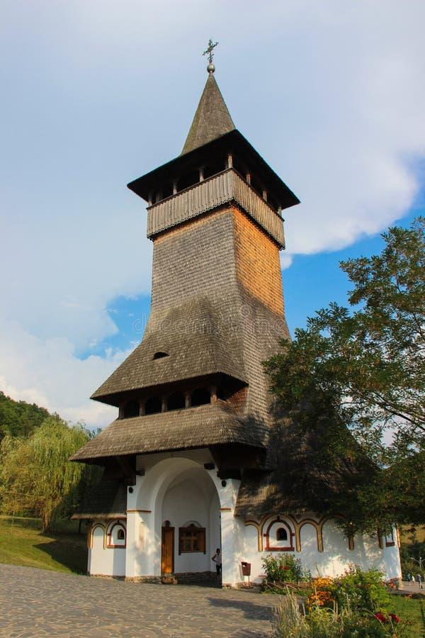 Монастырь Barsana - колокольня входа стоковые изображения rf