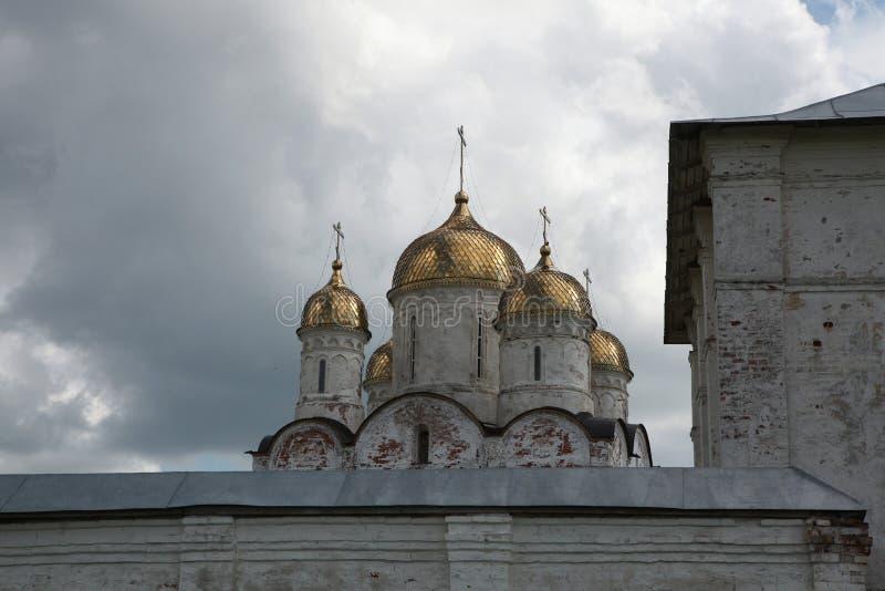 Монастырь Luzhetsky в Mozhaysk около Москвы, России стоковые фотографии rf