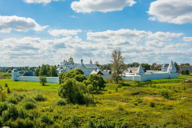 Монастырь Pokrovsky в Suzdal стоковые изображения