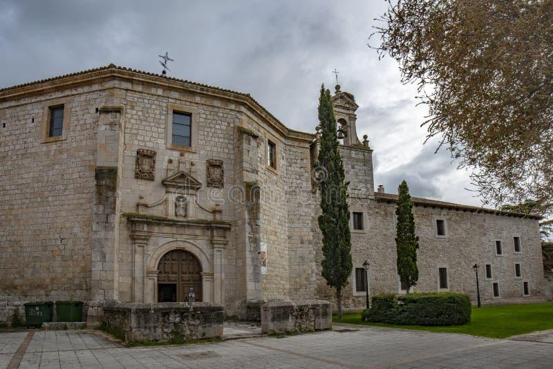 Монастырь Santa Clara в средневековом городке Peñafiel стоковые фото