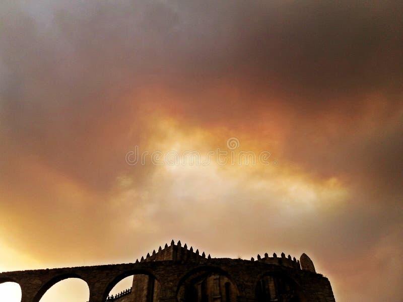 Монастырь Santa Clara и мост-водовода, Vila делает Conde стоковое изображение rf