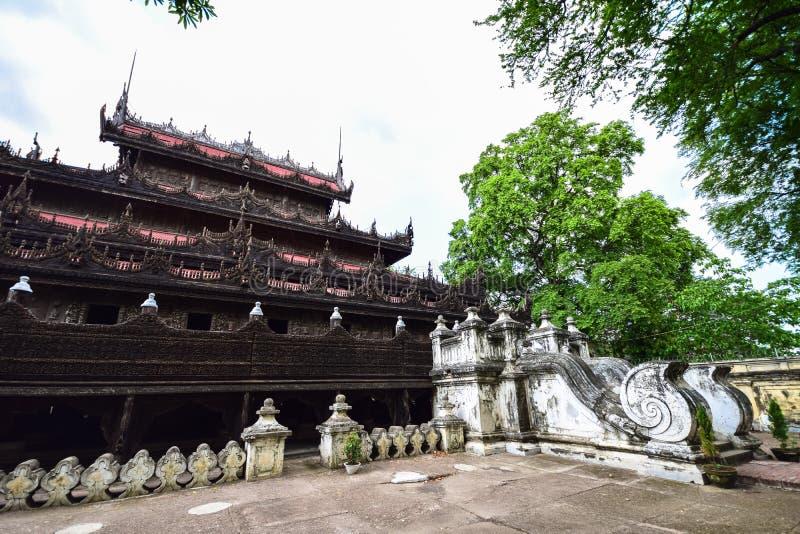 Монастырь Shwenandaw стоковое фото