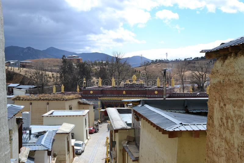 Монастырь Songzanlin тибетский буддийский, Ла Shangri, Xianggelila, провинция Юньнань, Китай стоковые фото