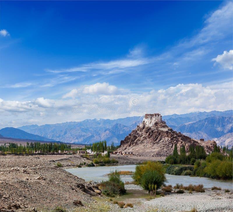 Download Монастырь Stakna, Ladakh, Индия Стоковое Фото - изображение насчитывающей вероисповедно, поклонение: 33738076