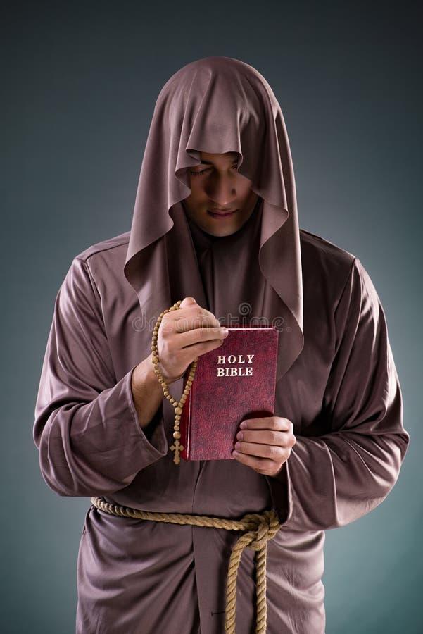 картинка монах с розой двигателя системы