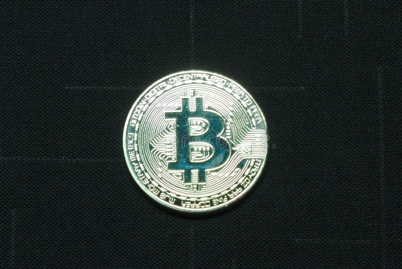 Монетка bitcoin Ilver на черной предпосылке стоковая фотография rf