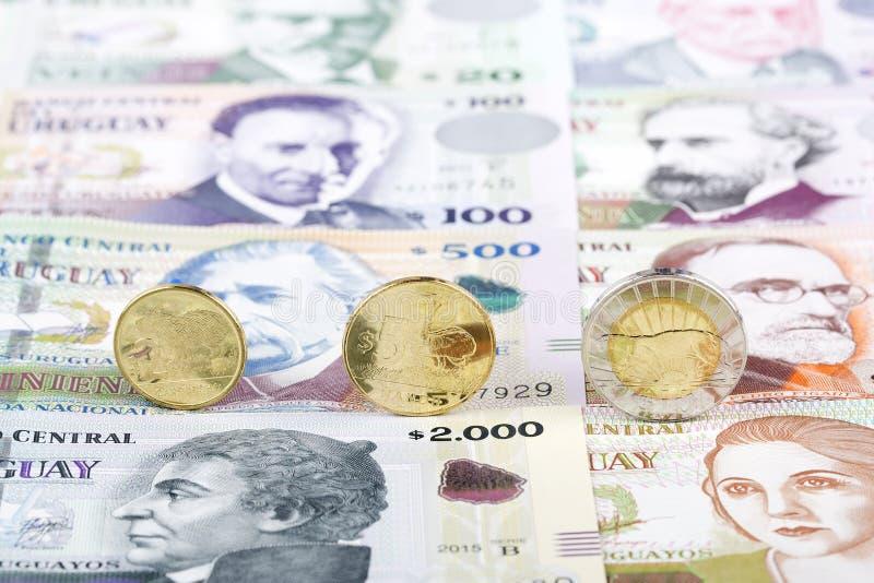 Монетки песо уругвайца стоковые изображения rf